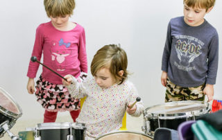 kids-drumming
